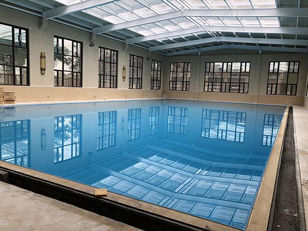 游泳馆采用同益空气能,恒温又省钱